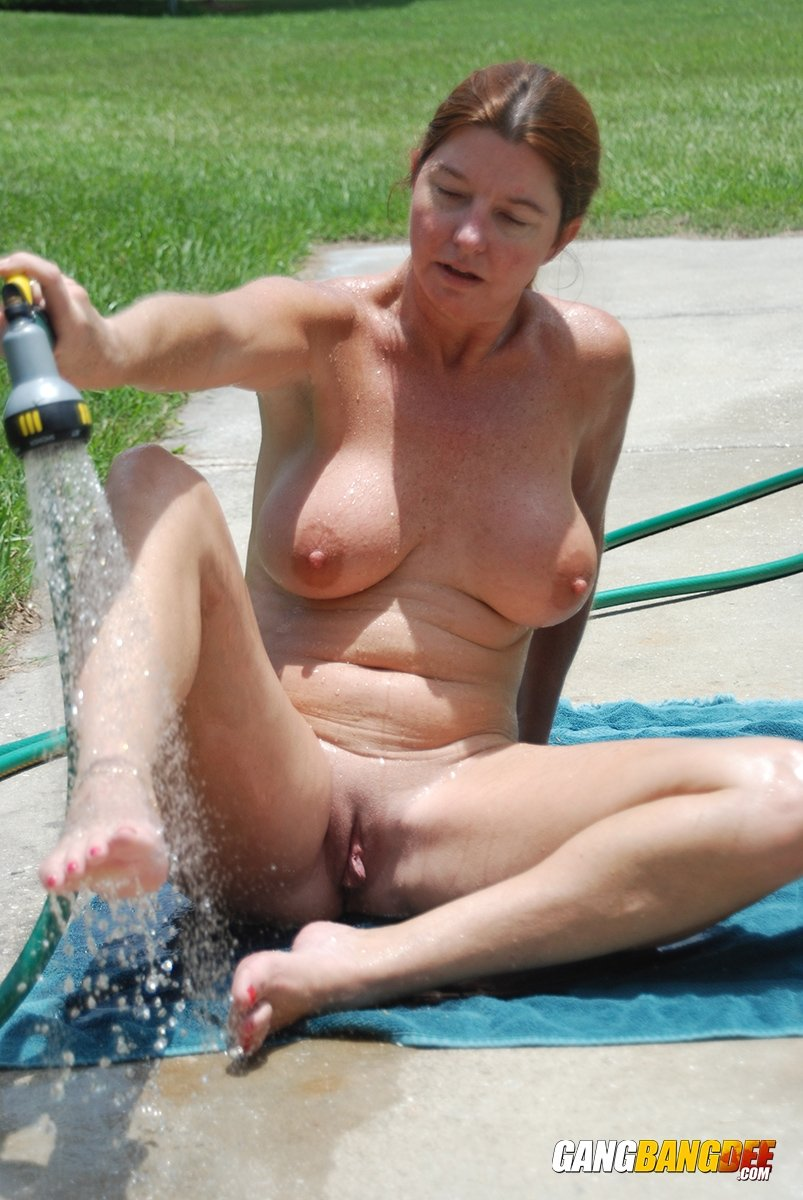 mature nude english women