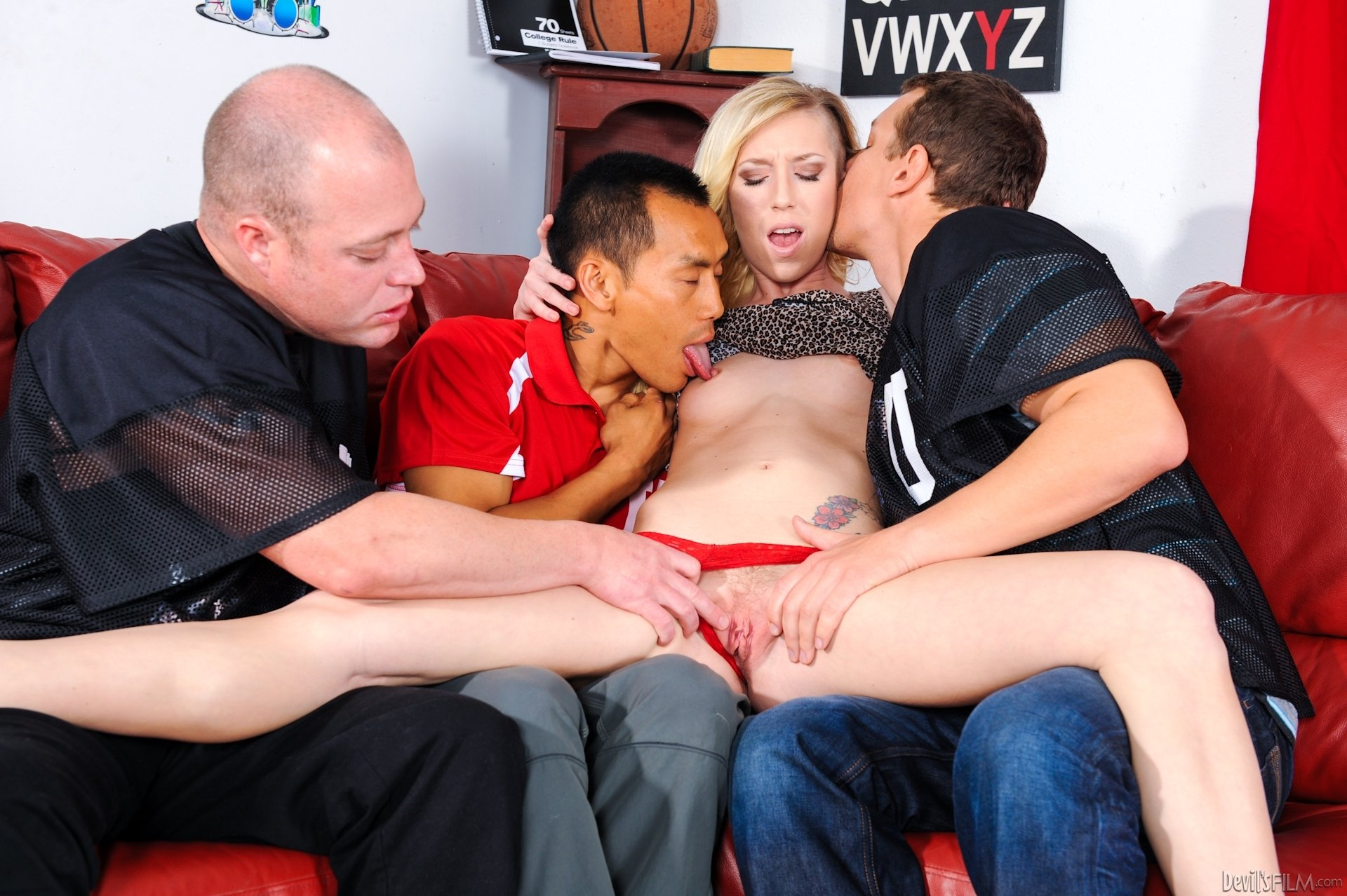 Eating creampie out of wife #1