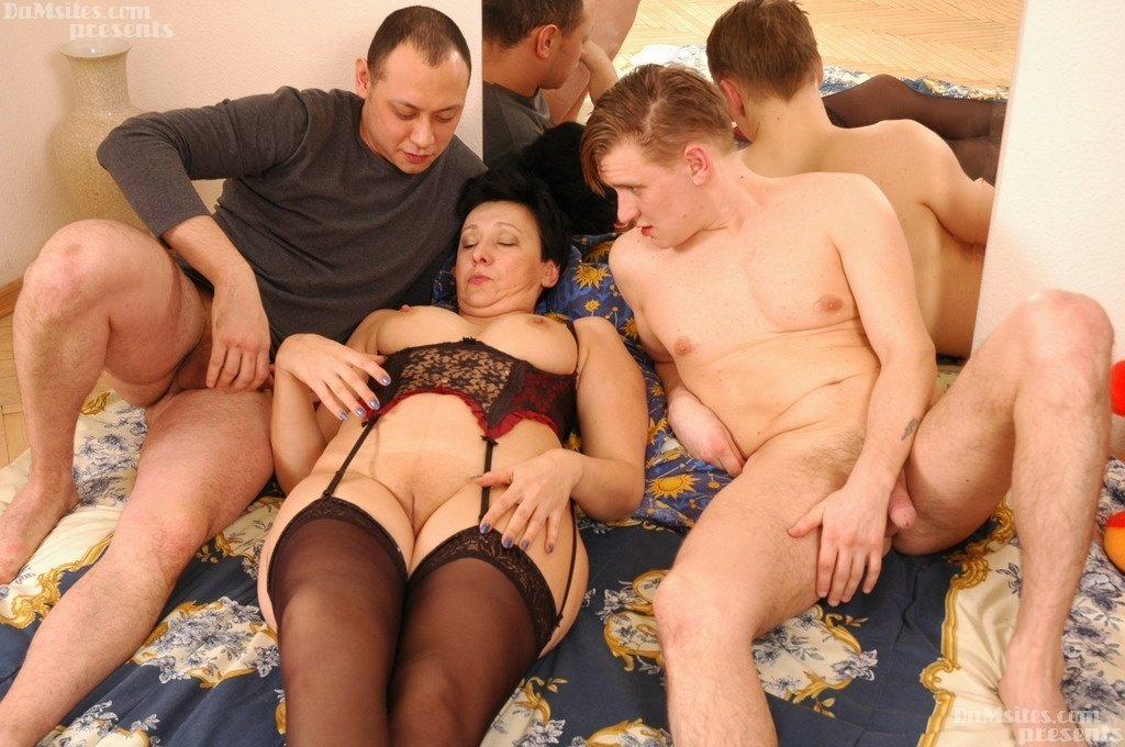 Melayu 2017 Threesome pictures wife