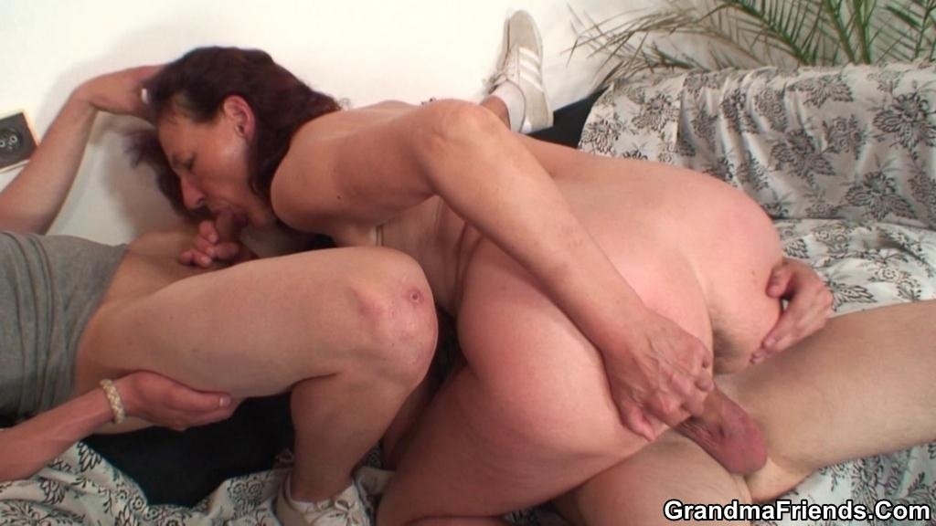 wife first threesome sex