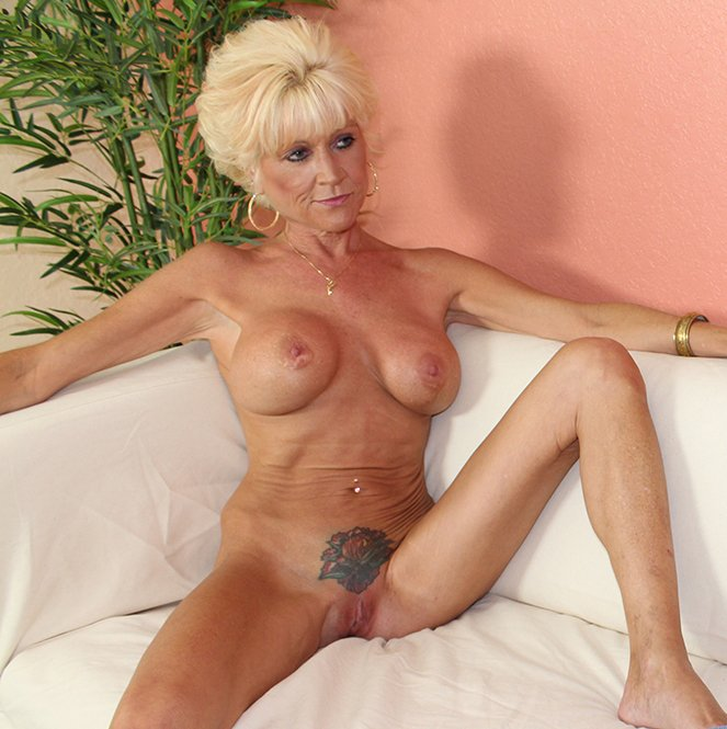 Yozshurn    reccomended mature beauty anal