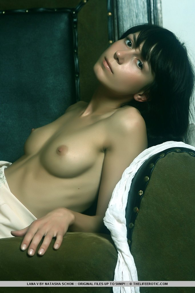 Naked pictures of hot houswives