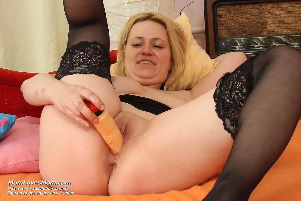 Pantyhose and stockings porn #1