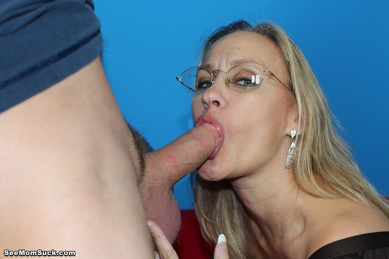 Mom sucking a big dick of a friend of a son, having escaped