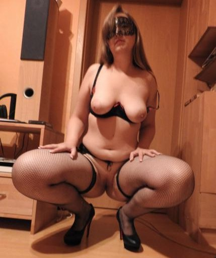 horny mature women pictures