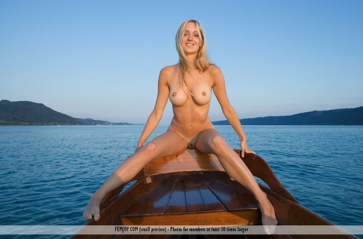 Akir    reccomended blonde nude hd