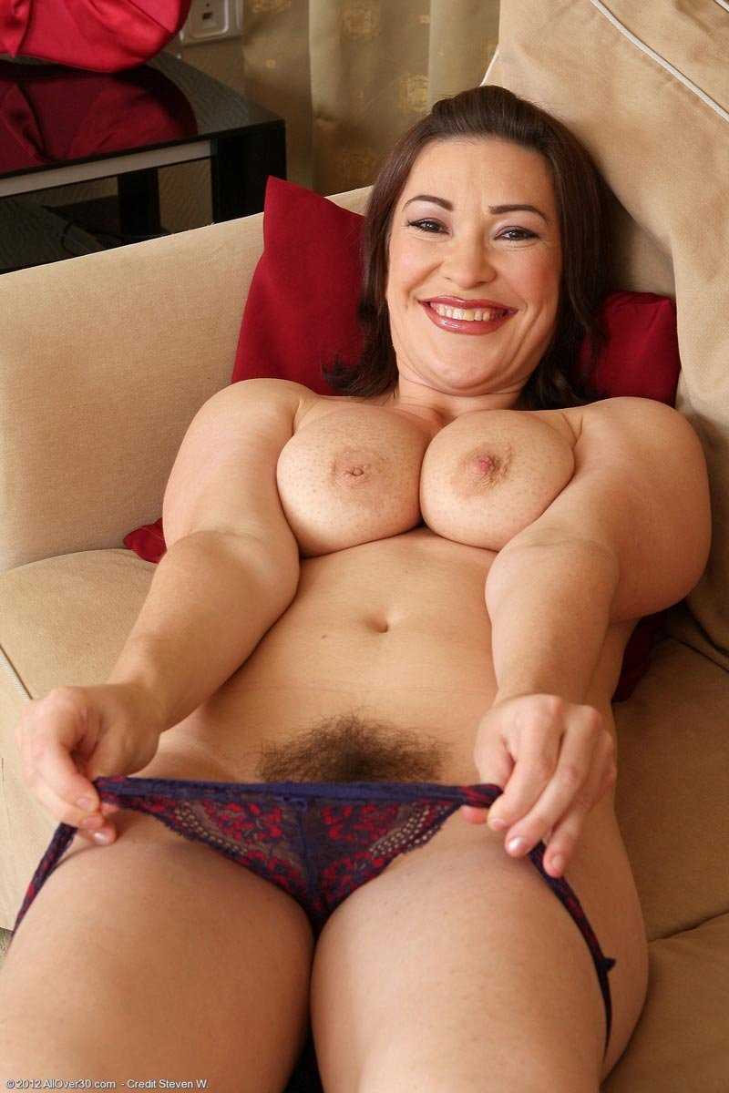 Hottest milf on earth First time lesbian amature