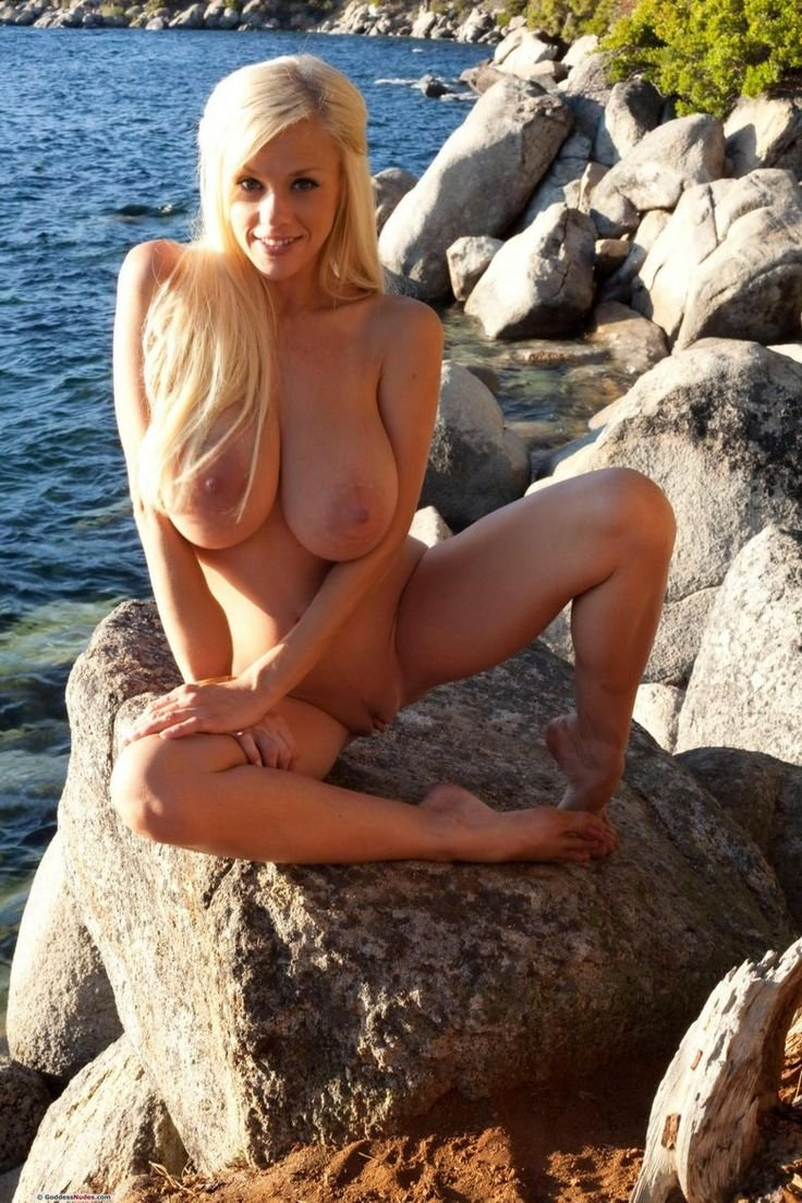 hot mom nude beach