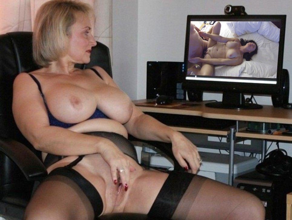 Get Older Woman With Huge Tits Masturbates Porn For Free