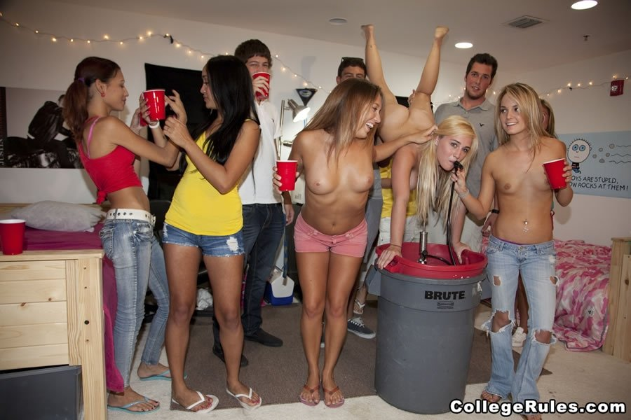 Gifs hot college girls party porn videos her