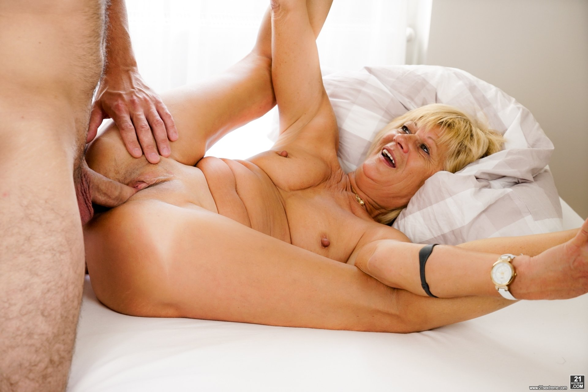 Wife shows pussy to sons friends Same sex parents statistics uk
