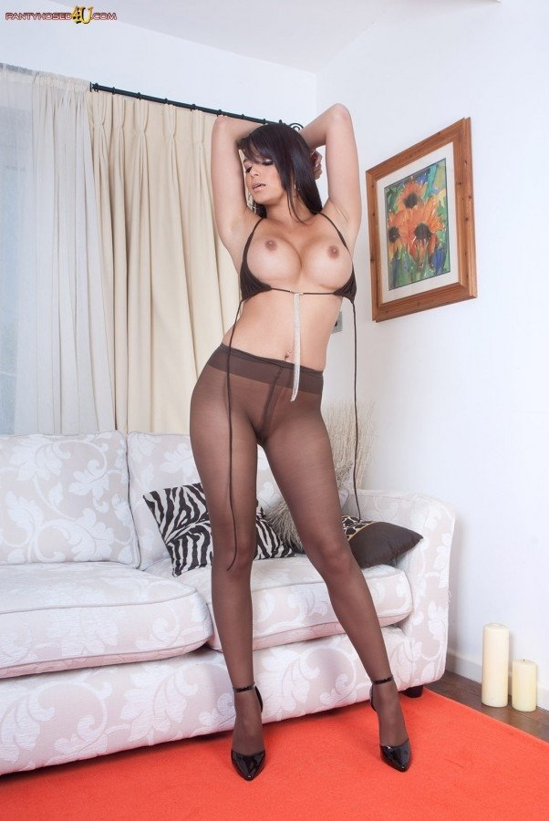 hot young naked moms