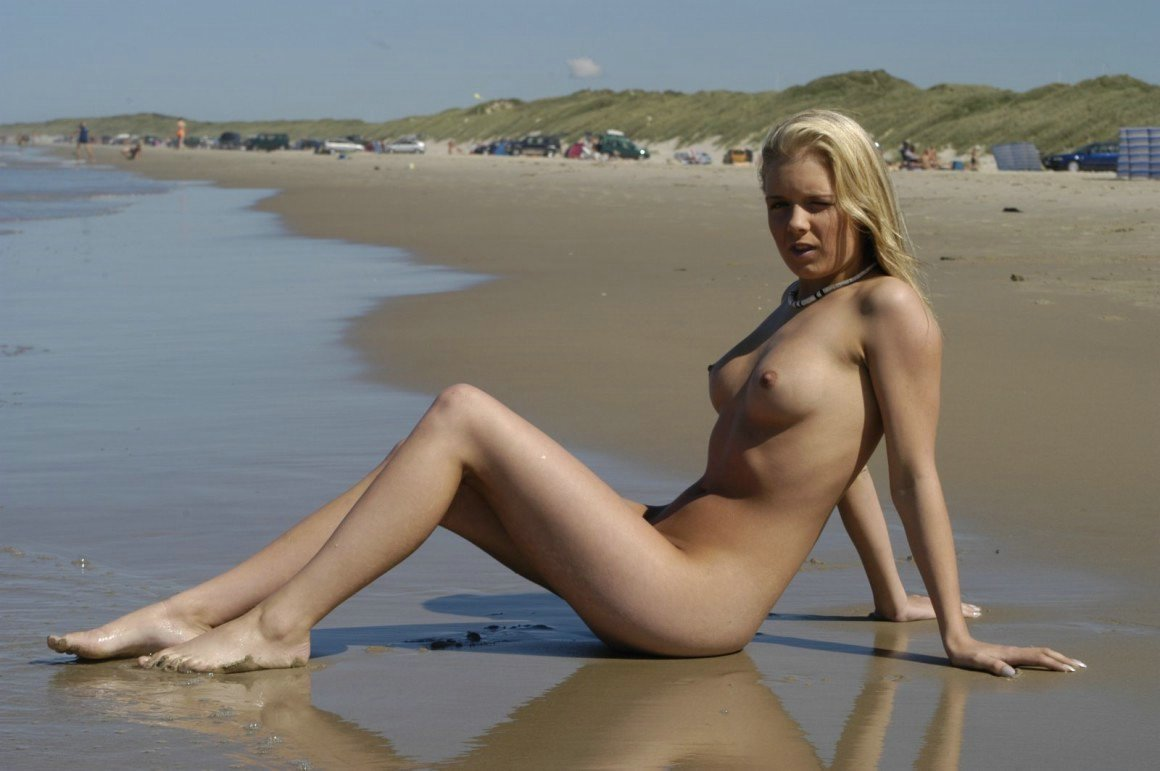sexy hot girls on beach there