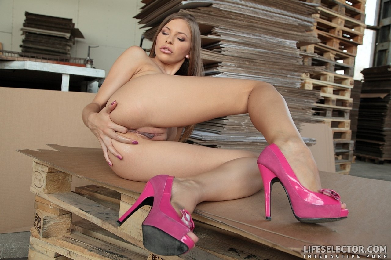 Zulujind    reccomend Taylor Ann - Hot Wives Club 2