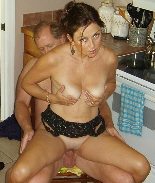 housewife naked sex