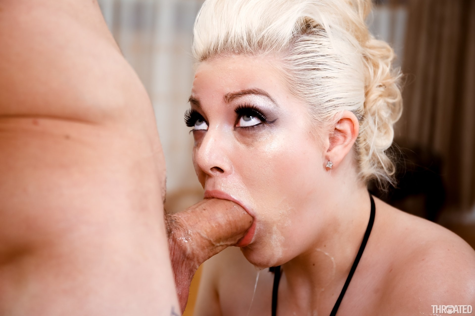 blonde horse blowjob