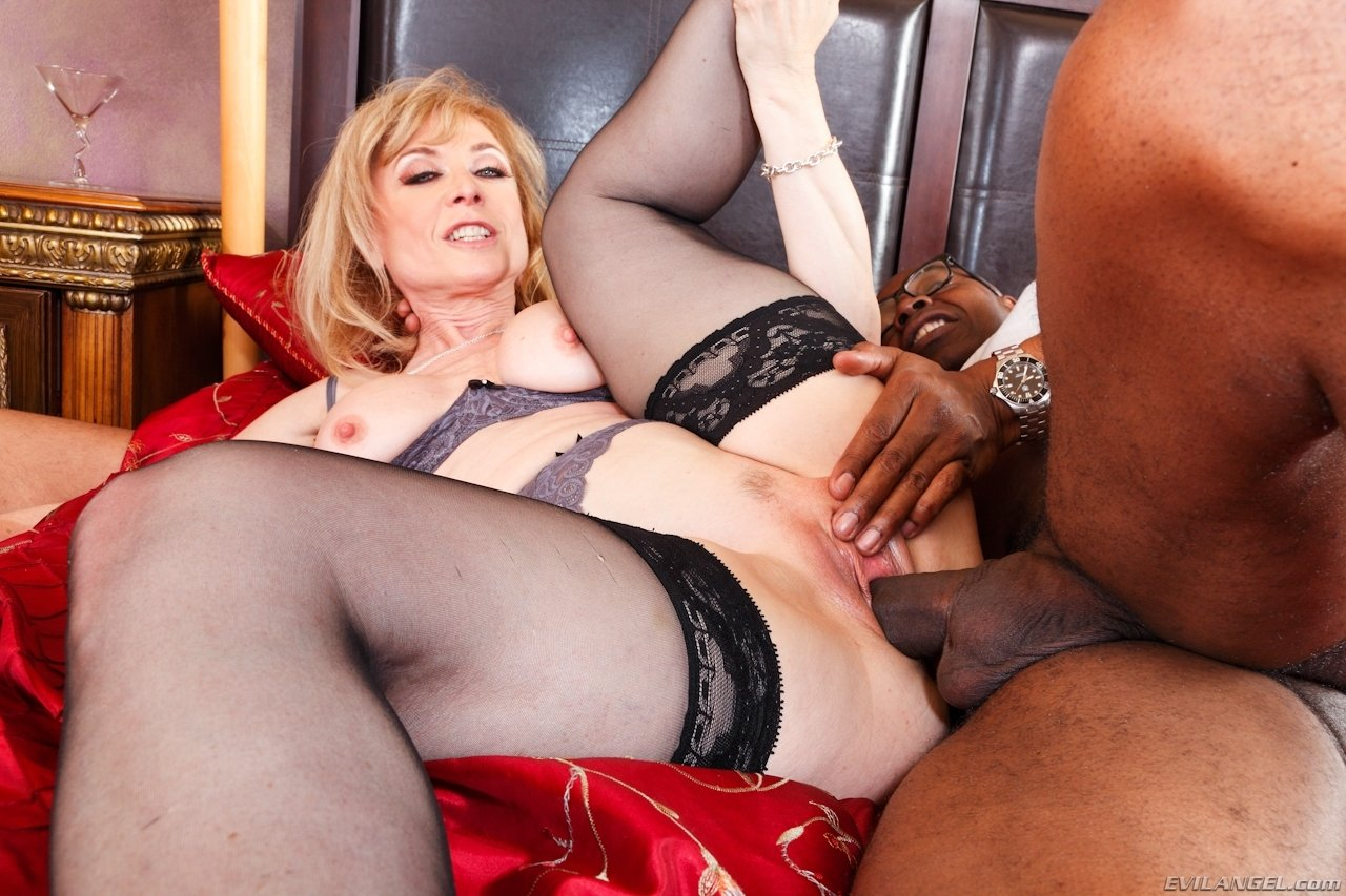 Unforgettable Interview with charming neewsmaker Michelle Honey gets hot and intimate