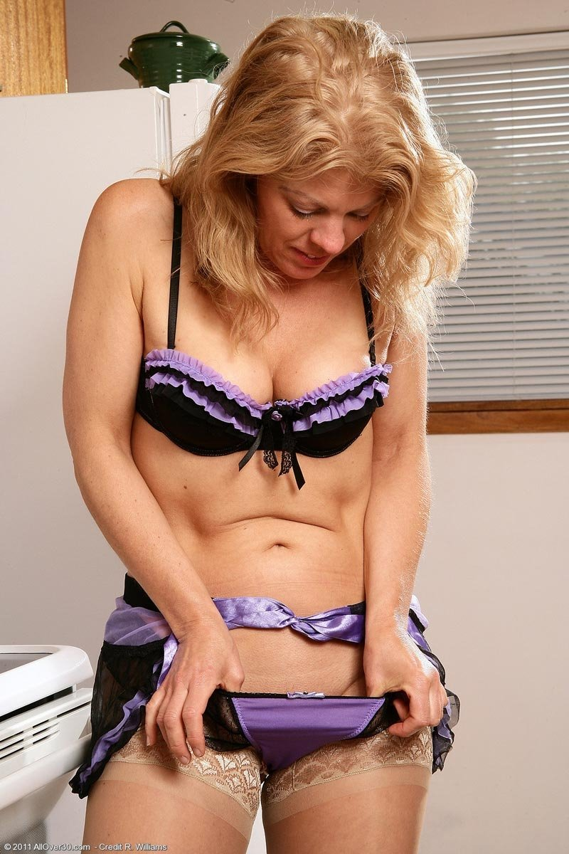 hot milf sites there