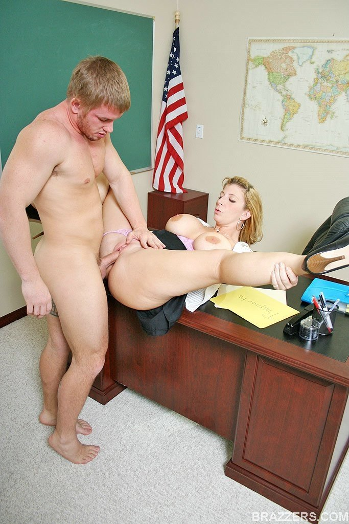 Hot home maid teacher fuck her owners son porn