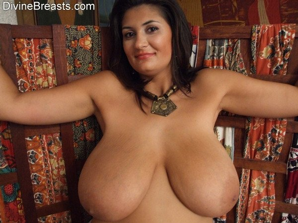 thick milf nude pics add photo