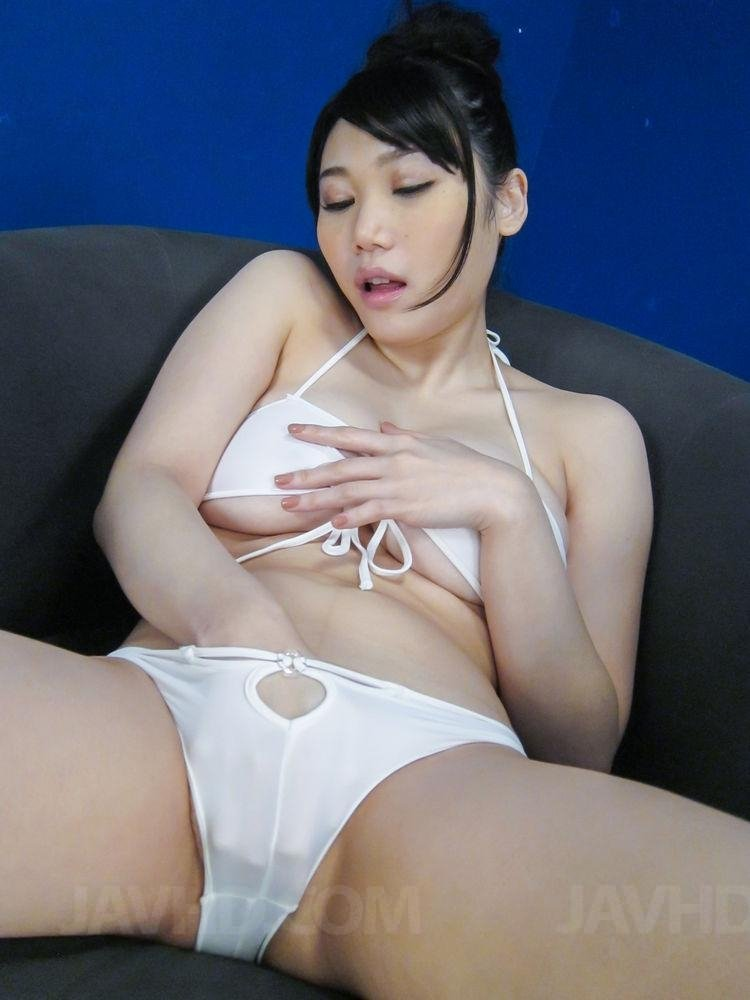 Hello who r u Amateur first sharing wife with big monster black