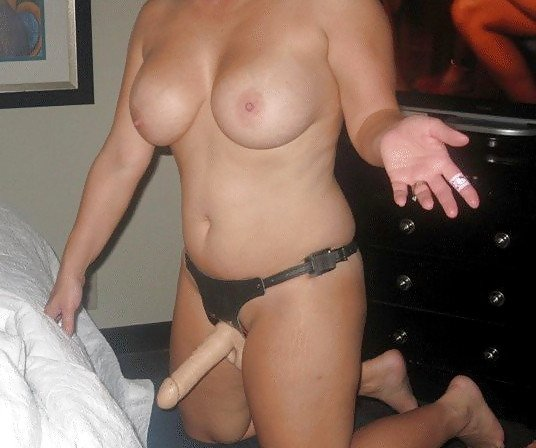 milf gives great blowjob