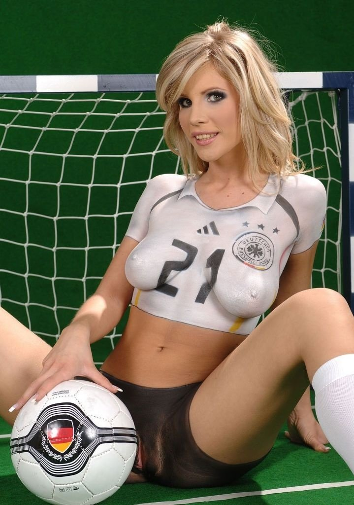 women-fucking-football-players-time-for-female-to-reach-orgasm
