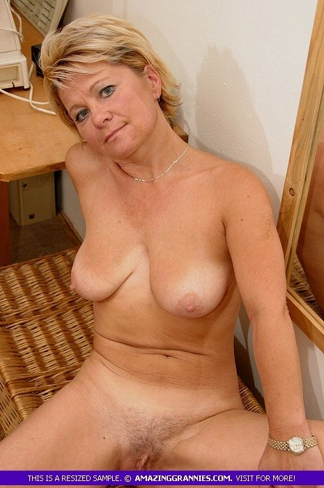 naked mature wives videos