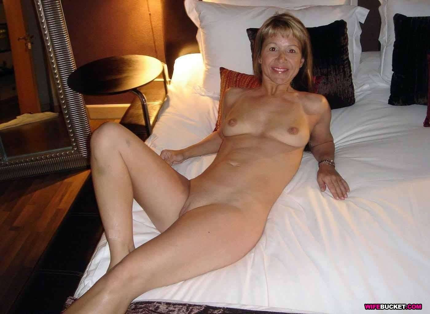 User-Submitted Sex Pics Of Real Milfs-3011