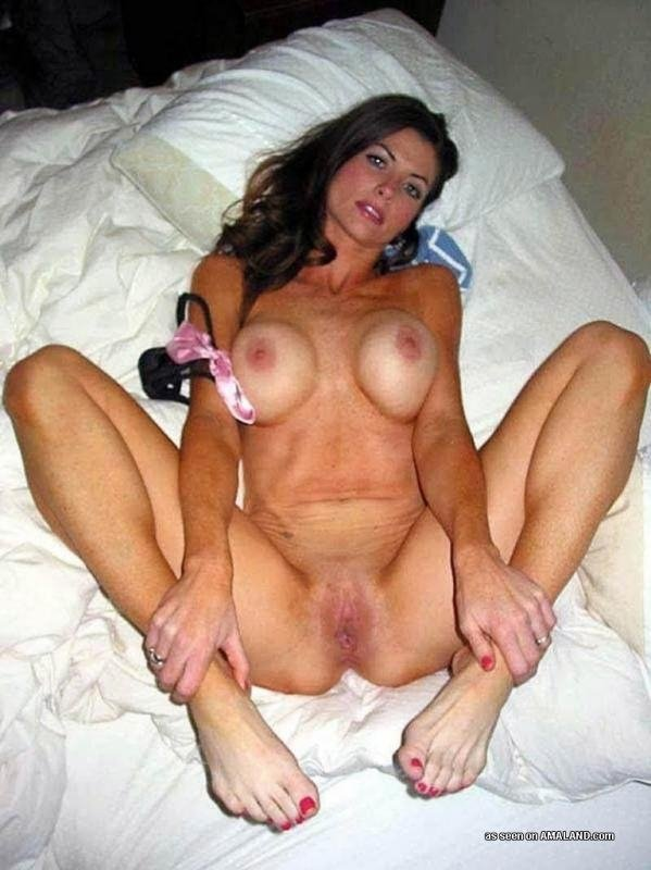 real amateur nude moms