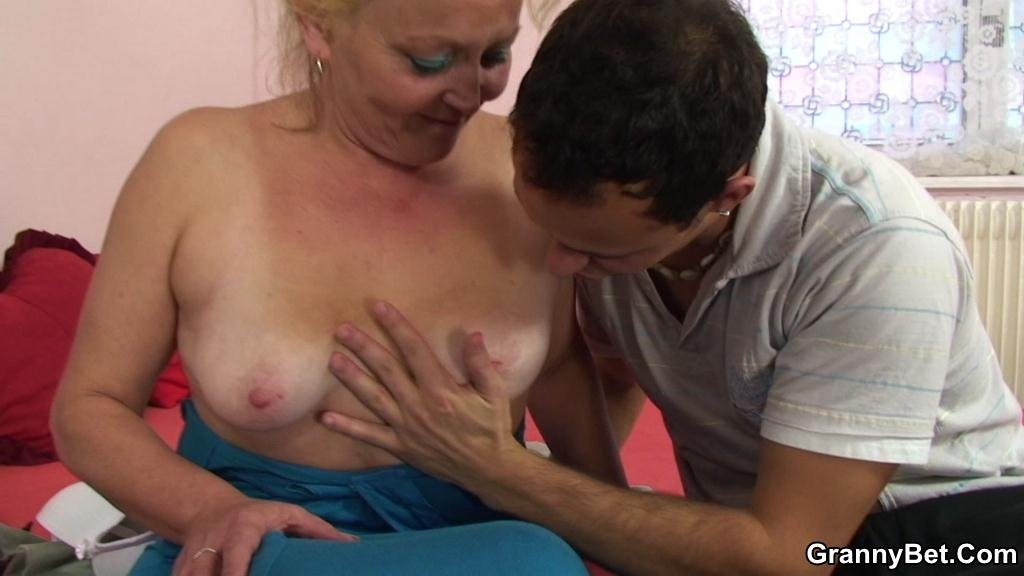 Fase south giral sex Cum for nudist woman