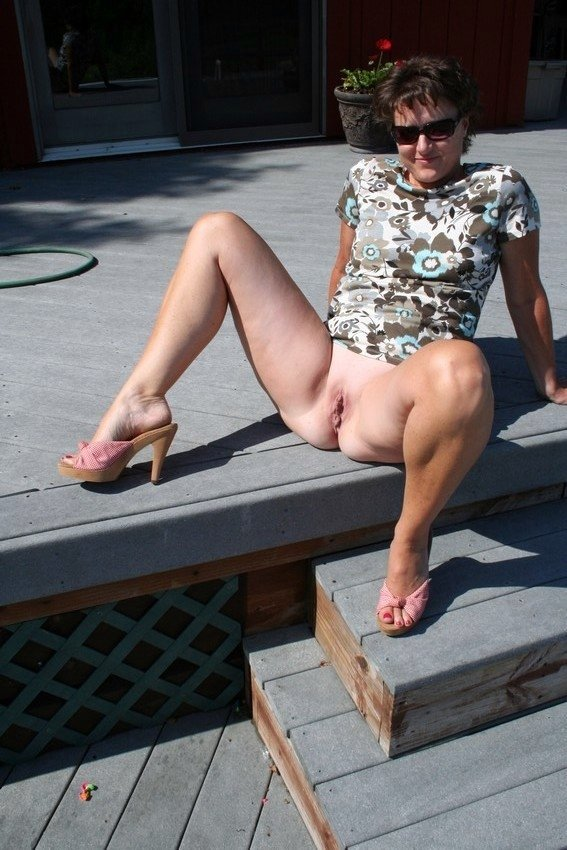 naked mature female pics