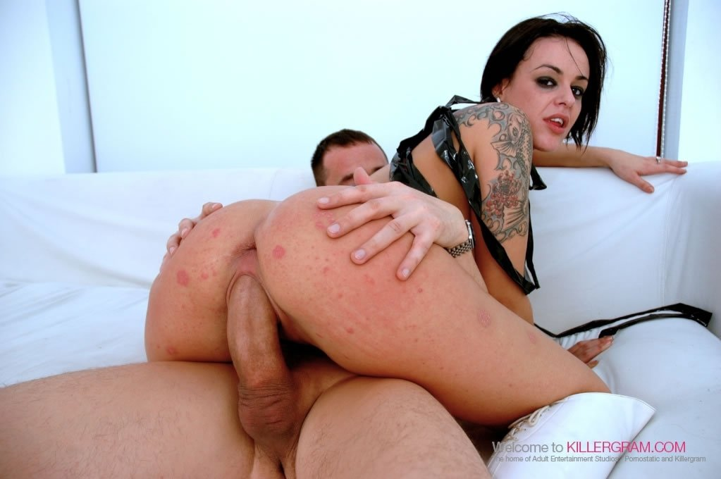 Grogal    reccomend amateur busty threesome
