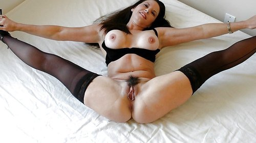 Your going to love the sound of her pussy click video