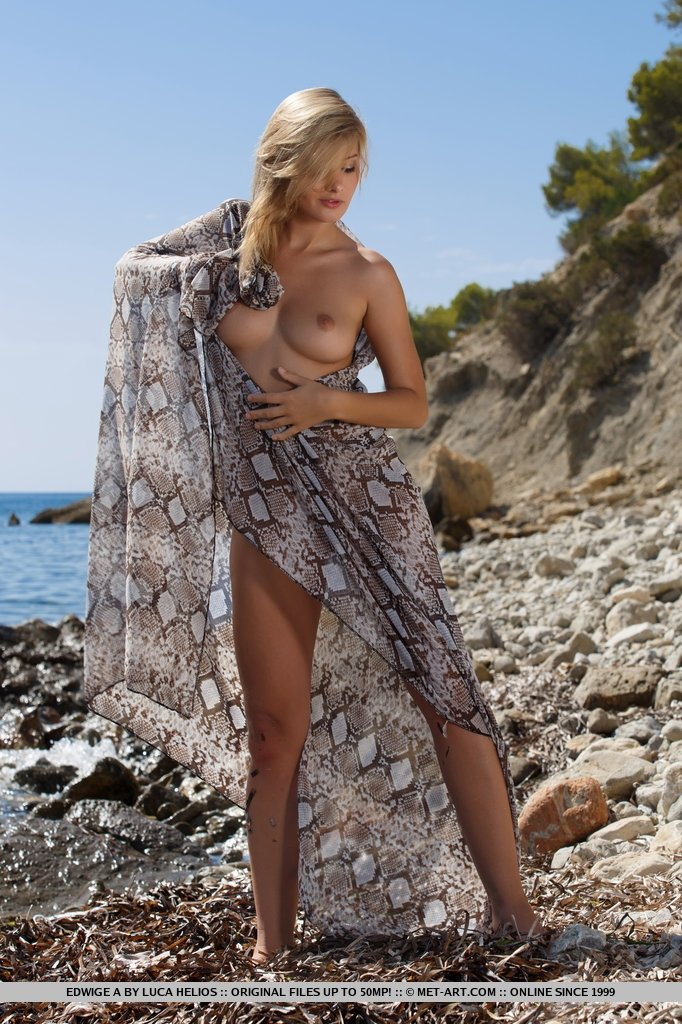 Amateur squirting free mature sex on beach