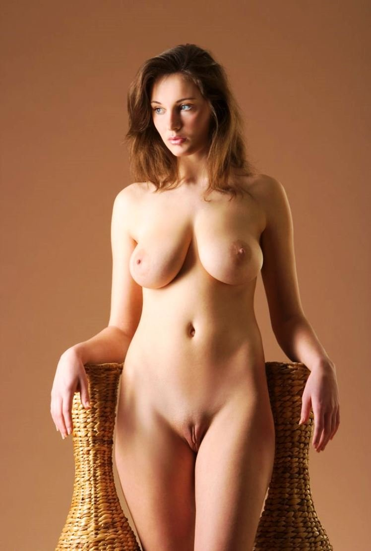 top 10 hottest nude models