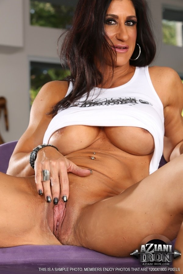 Church lady Andrea can'_t control her need for orgasm
