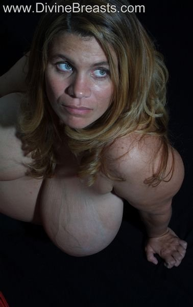 Blonde milf nude pics Free hot amuter house wife porn