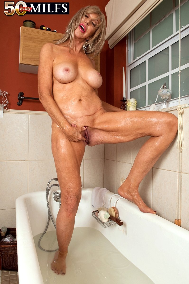 big mature women pictures