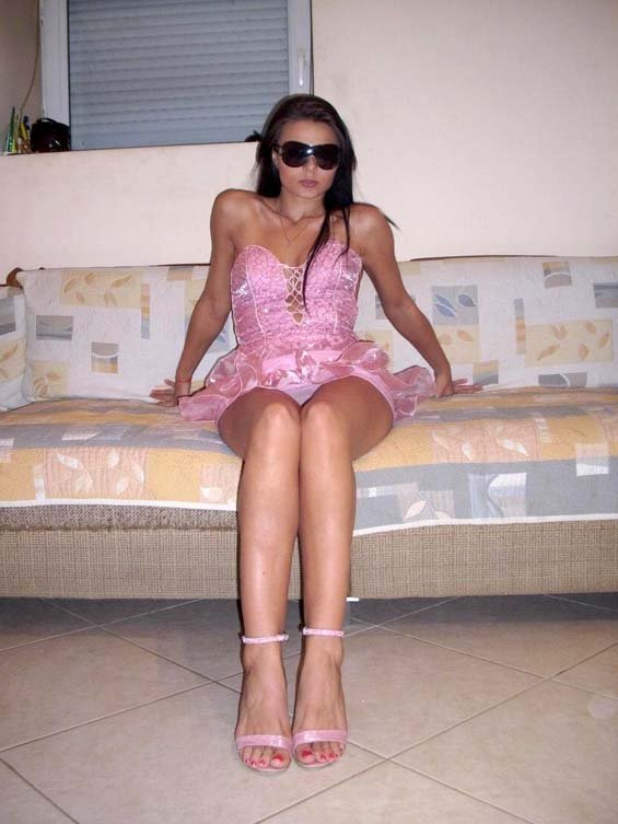 HOT philipino girl ( sweet ) shows her boobs to her bf skype , part 1