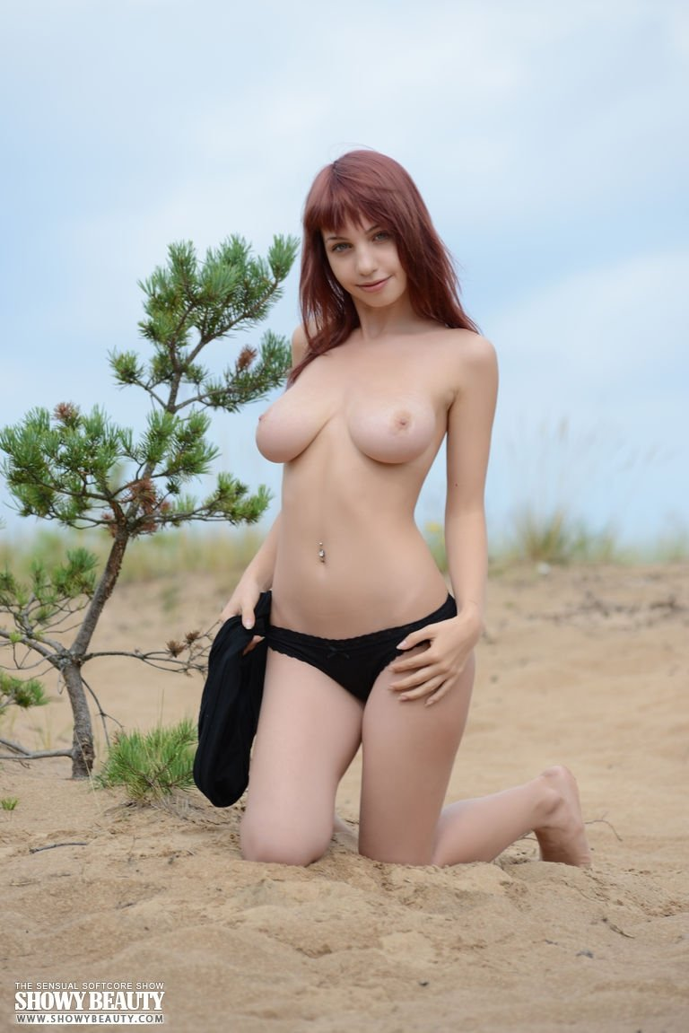 Xnxx asian sexy When the husband go out f94
