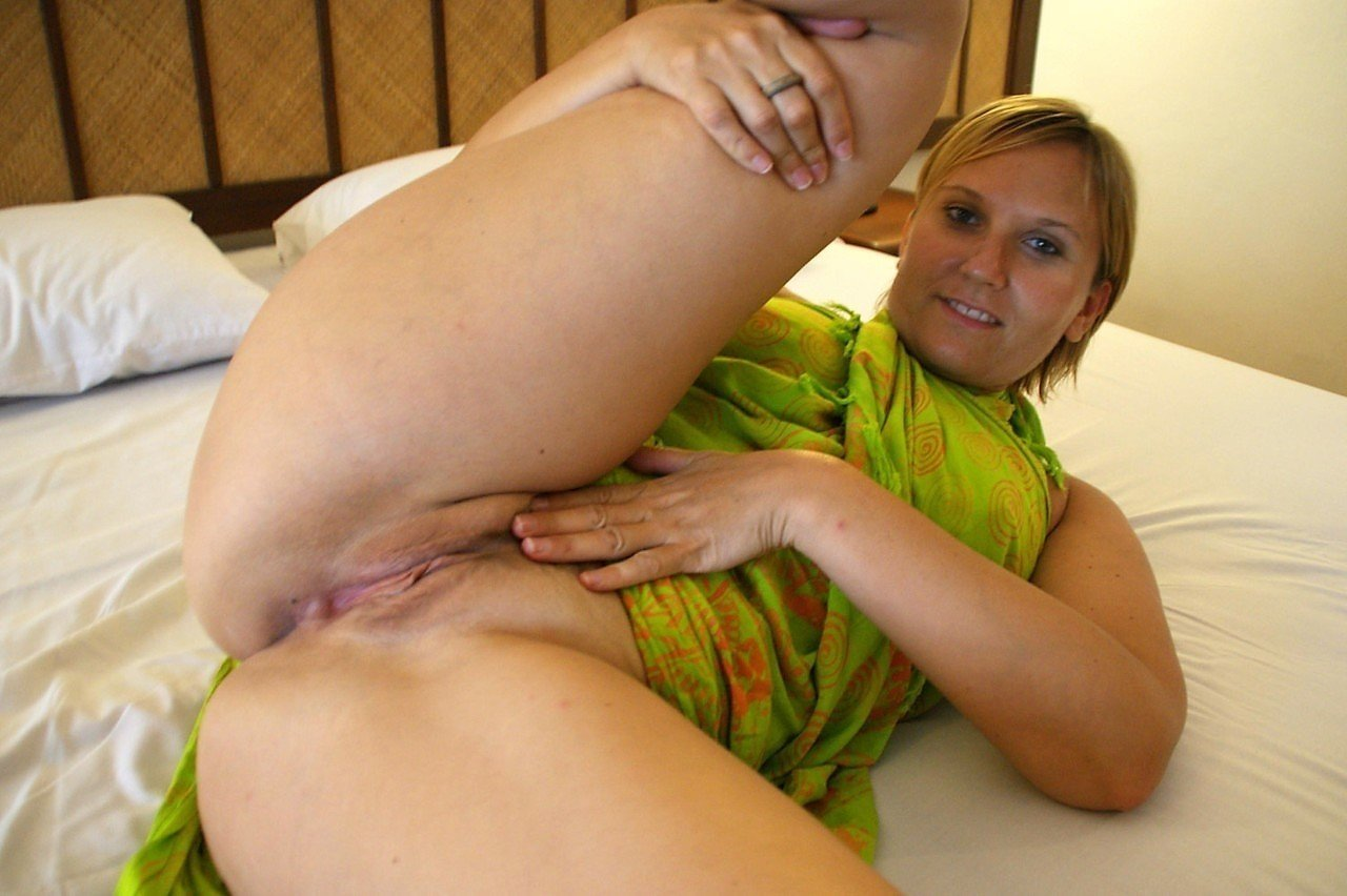 Ultimate surrender free video lesbian