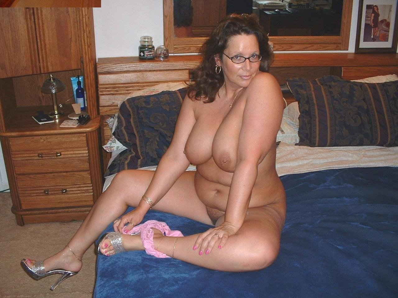 My girlfriends hotmom