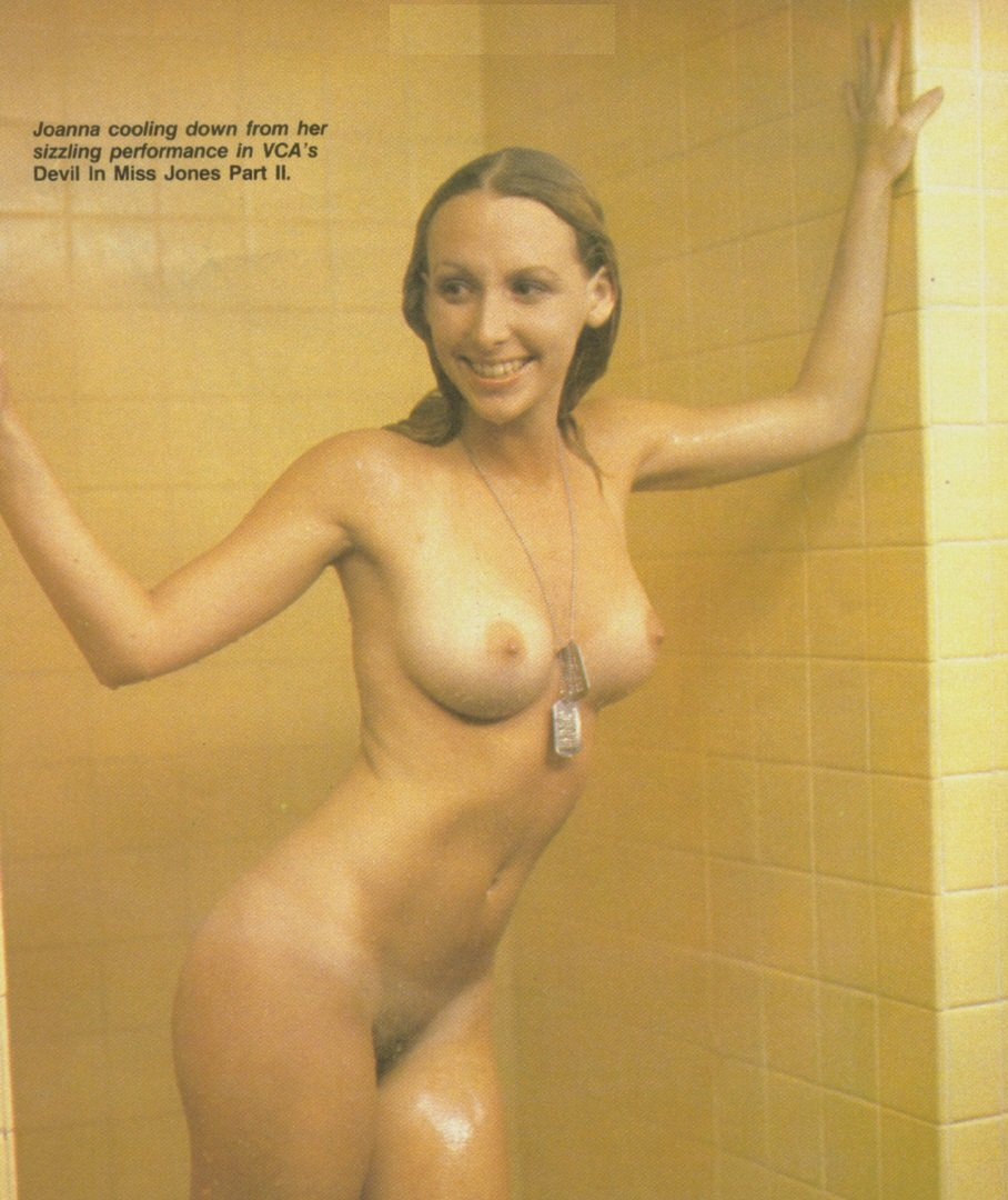 Mensroom Gloryhole Slut 4 there