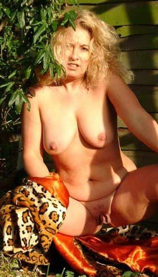 Sultry young slut tube