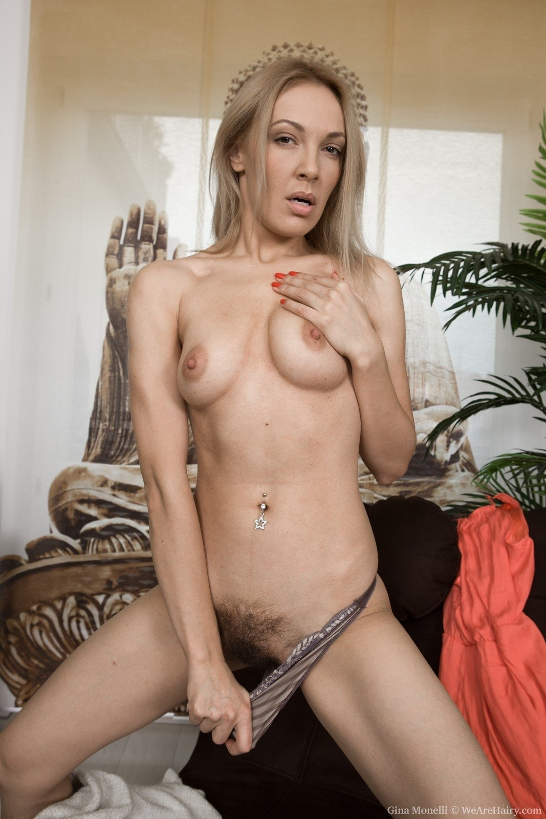 Sexy blonde takes it all off — img 9