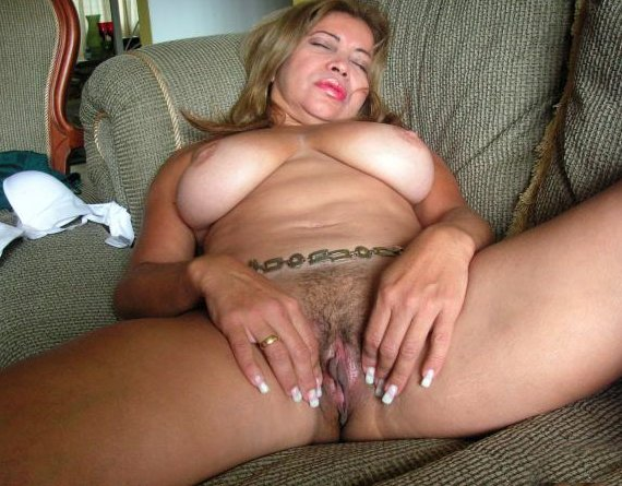 Large natural tits nude Wife maskxxx
