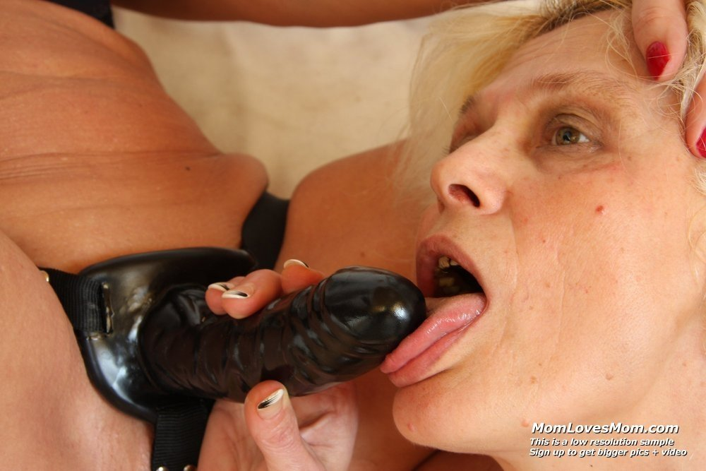 sexy mature mom sex