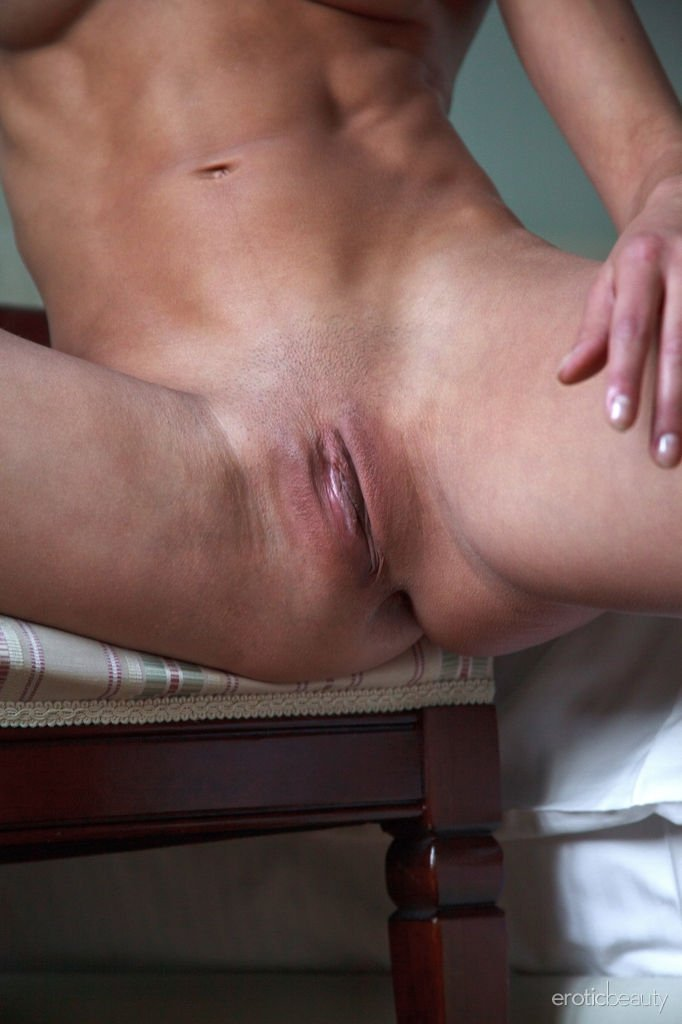 Hotel surprise wife