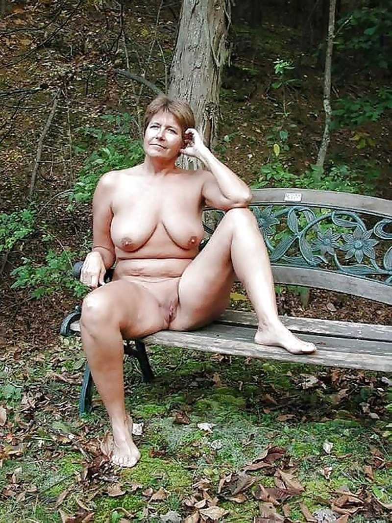Alone with girlfriends sexy friend there